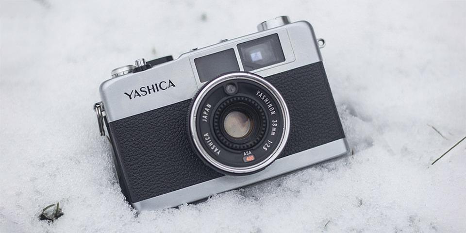 Kamera im Schnee