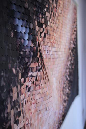 Detail: Fahne eines abstrakten Bildes aus vielen kleinen Fototeilen