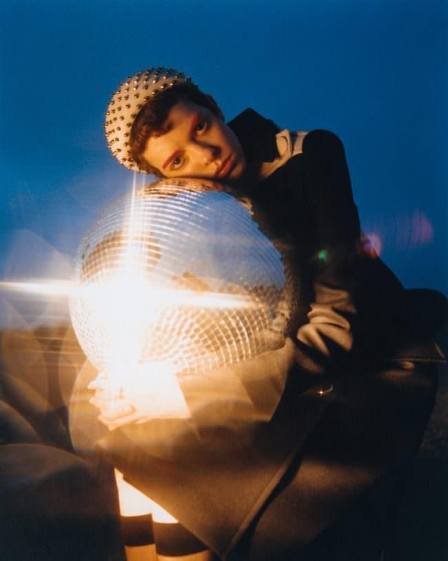 Portrait mit Diskokugel
