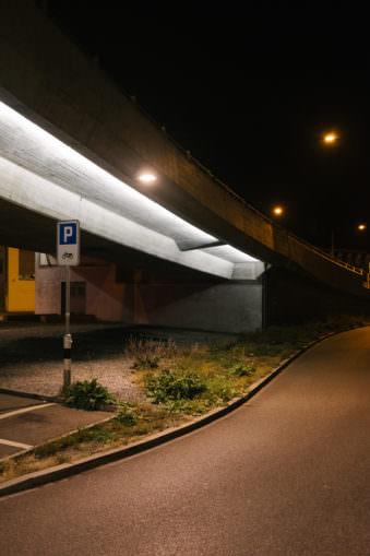 Überführung nachts
