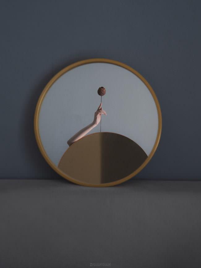Spiegel und Arm