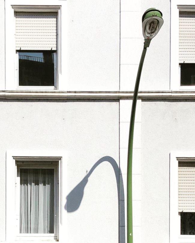 Laterne an einer Hauswand