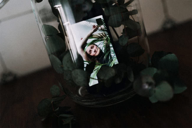 Handyportrait in einem Glas