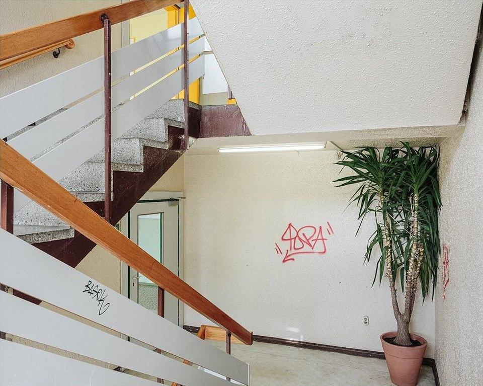 Treppenhaus mit Graffiti
