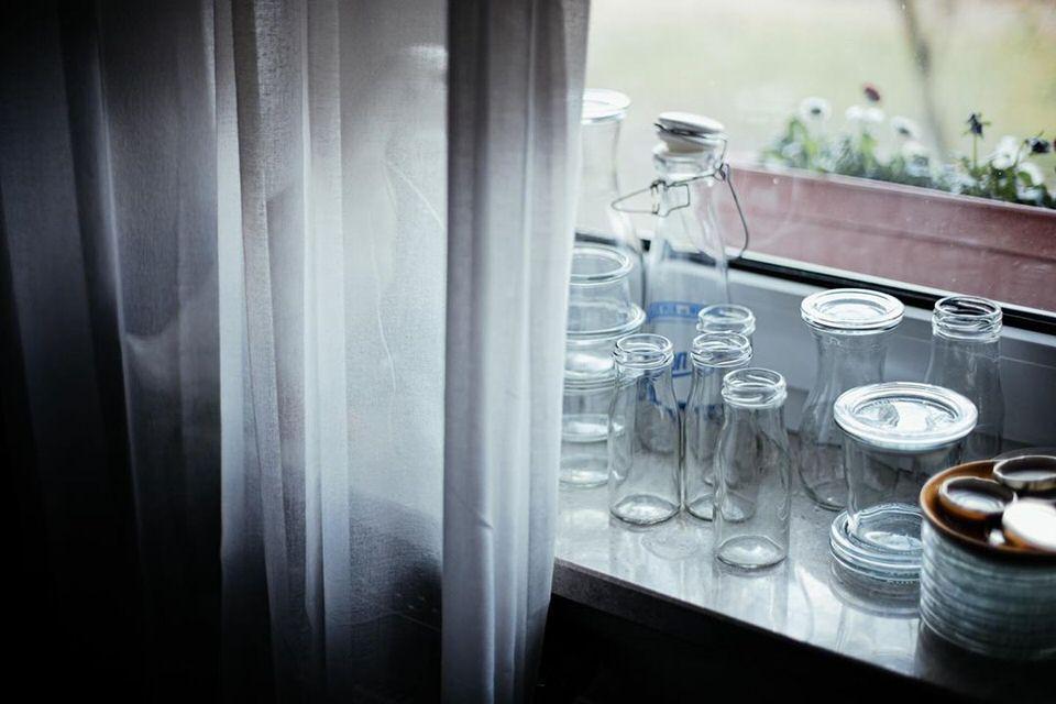 Fenster mit Gläsern