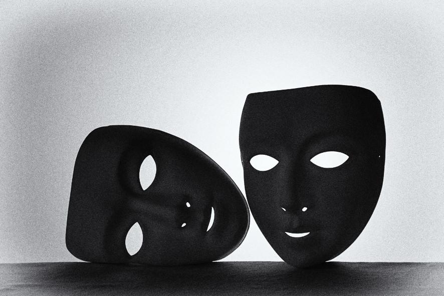 Masken als Schattenriss