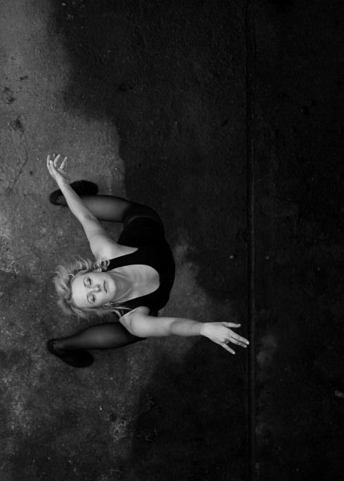 Tanzende Person von oben