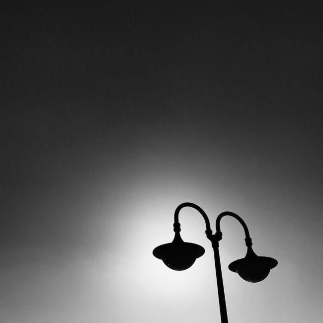 Schattenriss einer Lampe