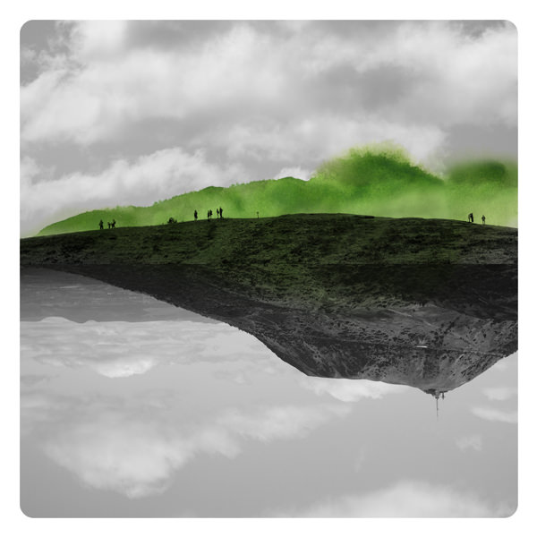 surreale Landschaft übermalt mit grünen Farbflecken