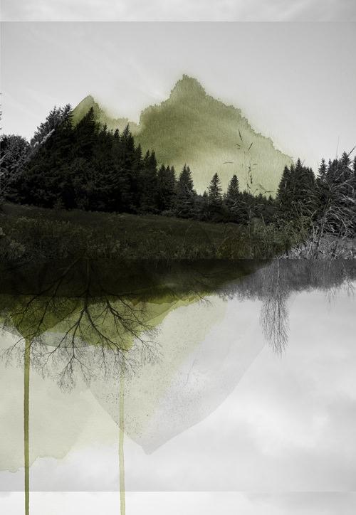surreale Landschaft übermalt mit grünlichen Farbflecken