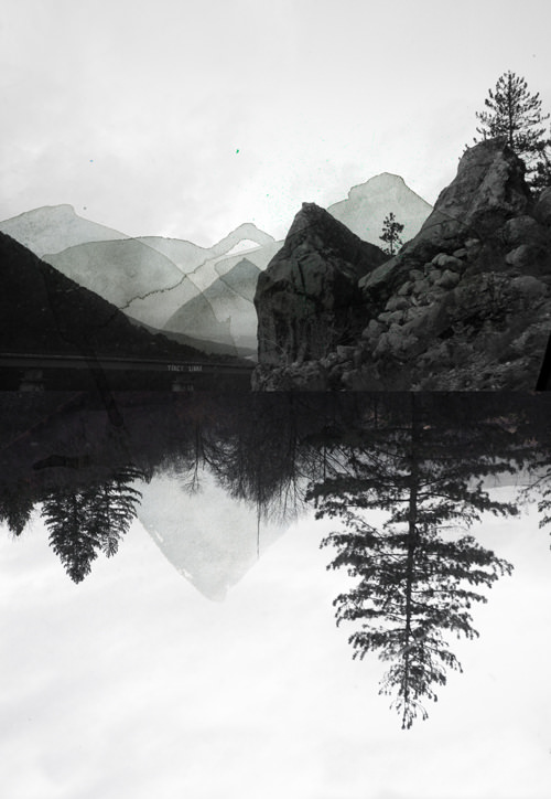 surreale Landschaft übermalt mit grauen Farbflecken