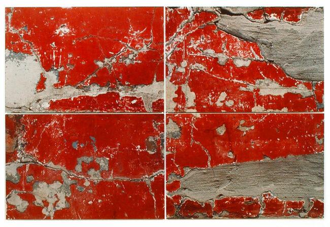 abgeblätterte rote Farbe