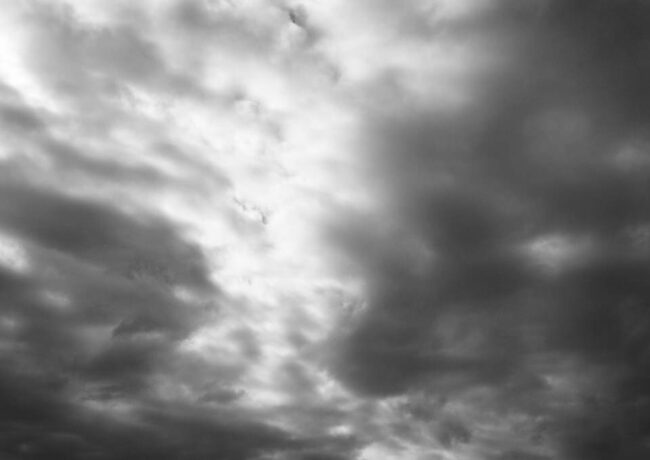 Wolkenverhangener Himmel