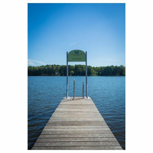 Steg auf einem See