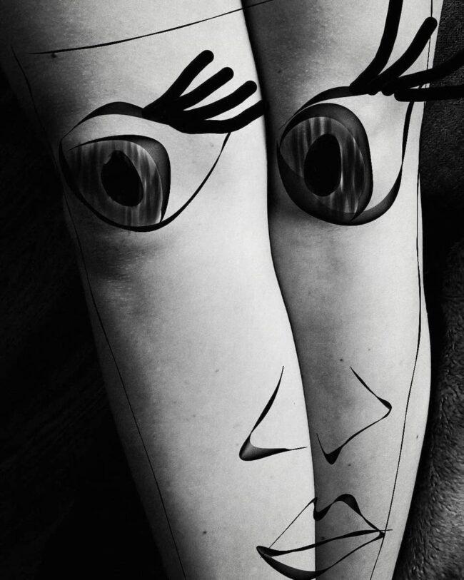 Ein Gesicht auf Beine gemalt