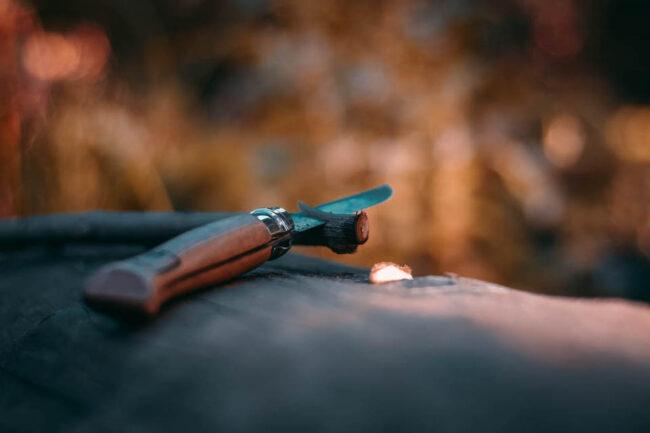 Schnitzmesser mit Stock