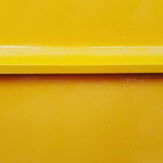 Gelber Gegenstand in Nahaufnahme