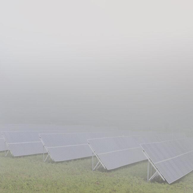 Solaranlagen im Nebel