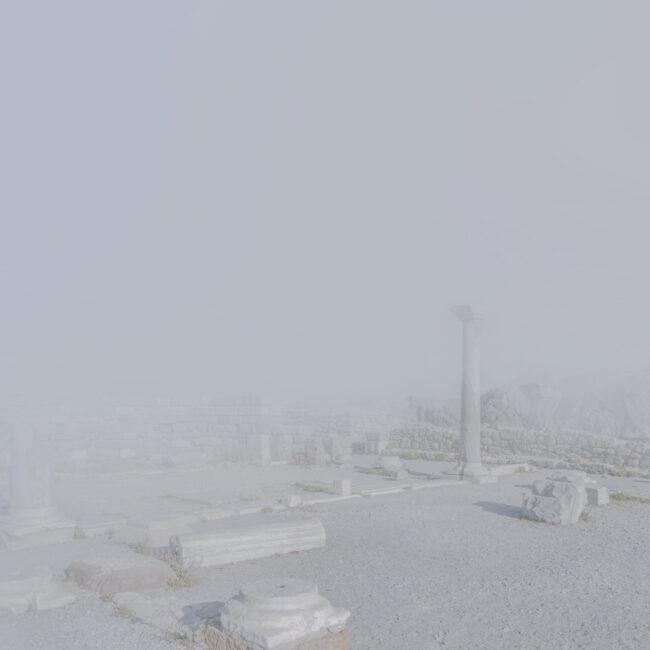 Akrolpolis im Nebel