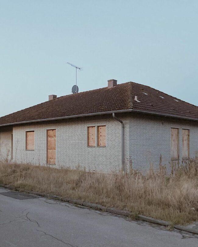 zugemauertes Haus