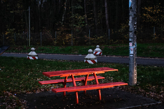 Rote Picknickbank