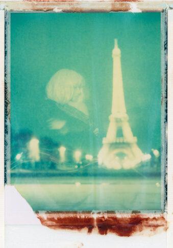 Polaroid Portrait mit Eiffelturm