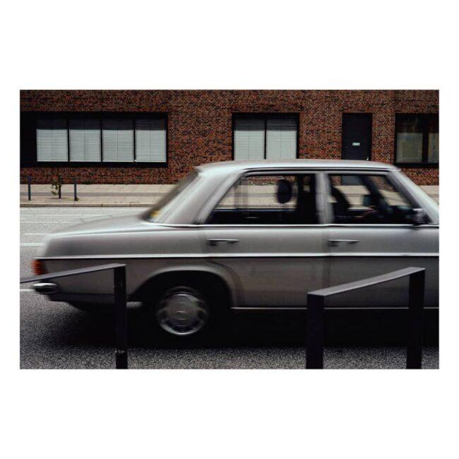 Altes Auto auf einer Straße