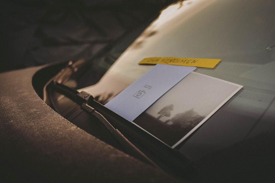 Foto auf einer Frontscheibe