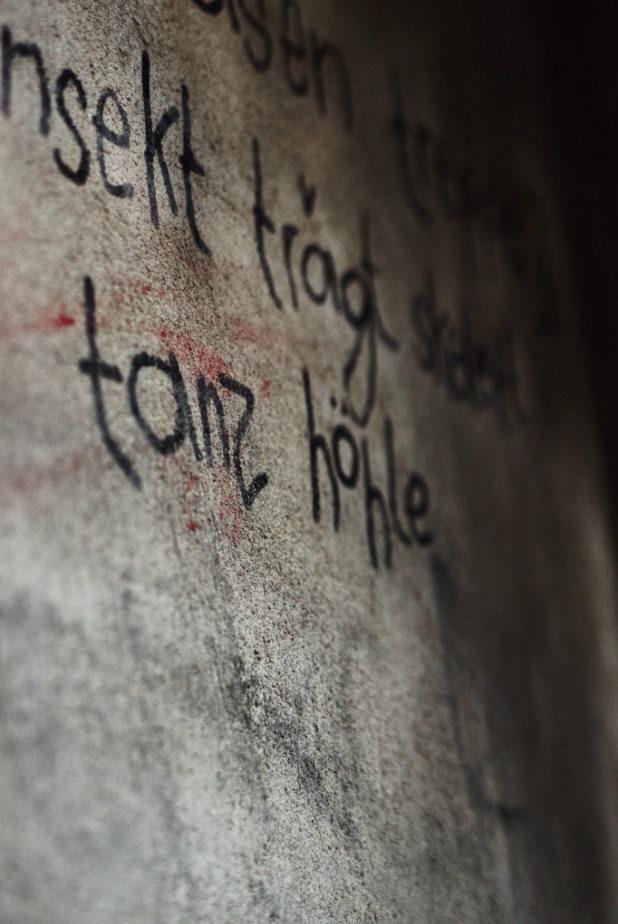 Schrift auf einer Wand