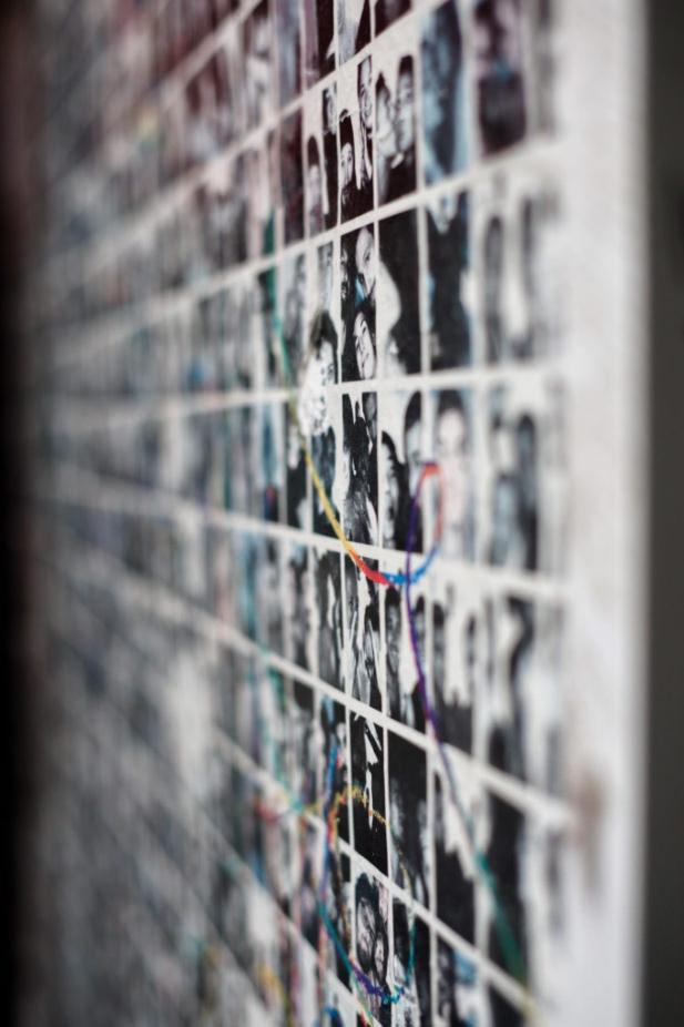Wand voller Bilder