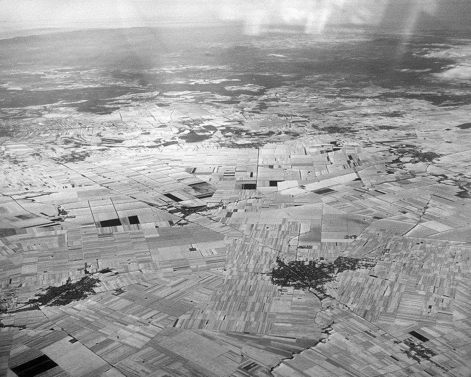 Luftaufnahme Städte und Felder