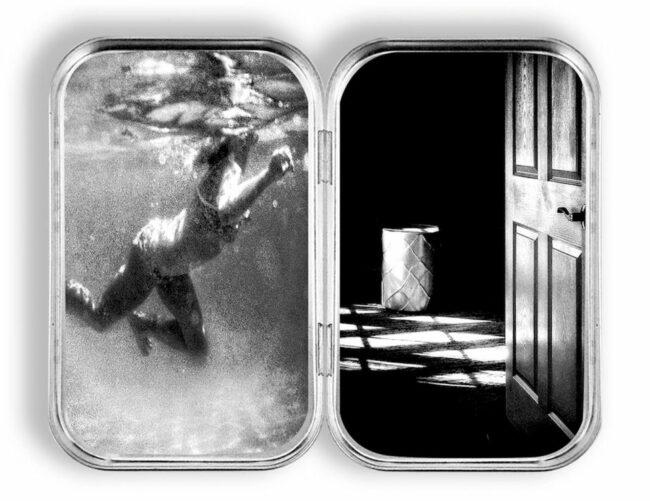 Diptychon Person Unterwasser und offene Türe