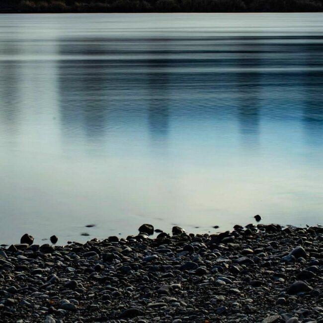 steiniges Ufer