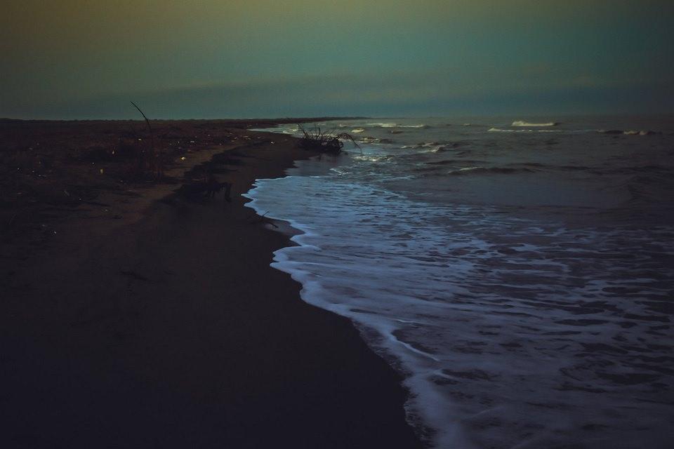 Strand im Dunkeln