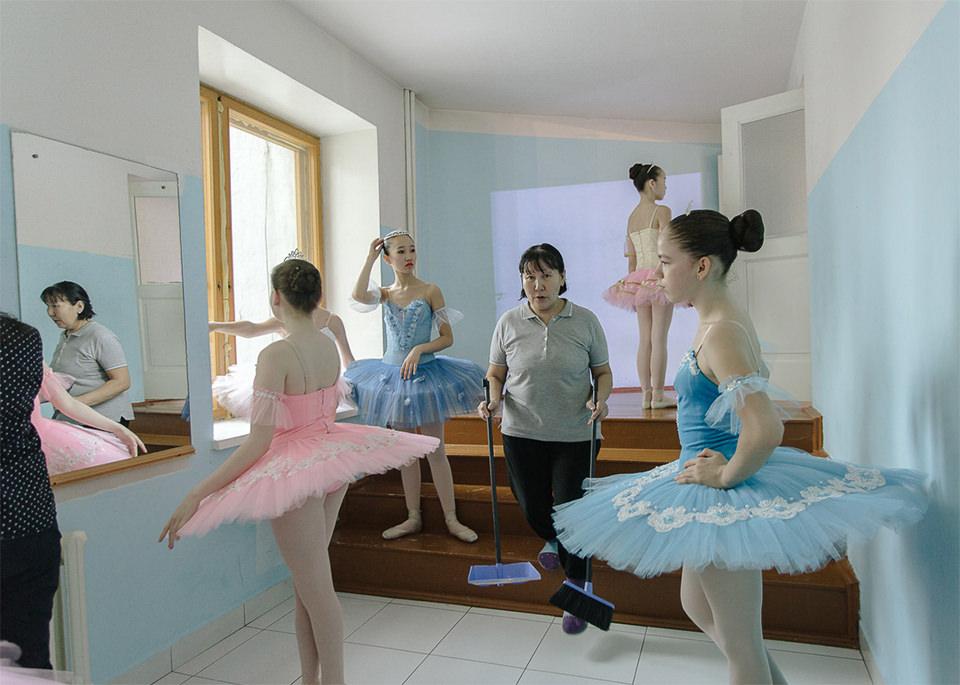 Mädchen in Ballettkostümen