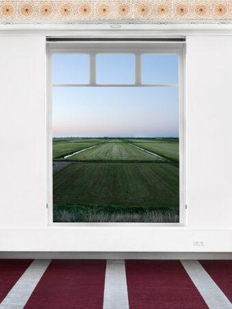 Fenster mit Blick auf ein Feld