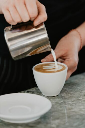Cafe wird eingeschenkt