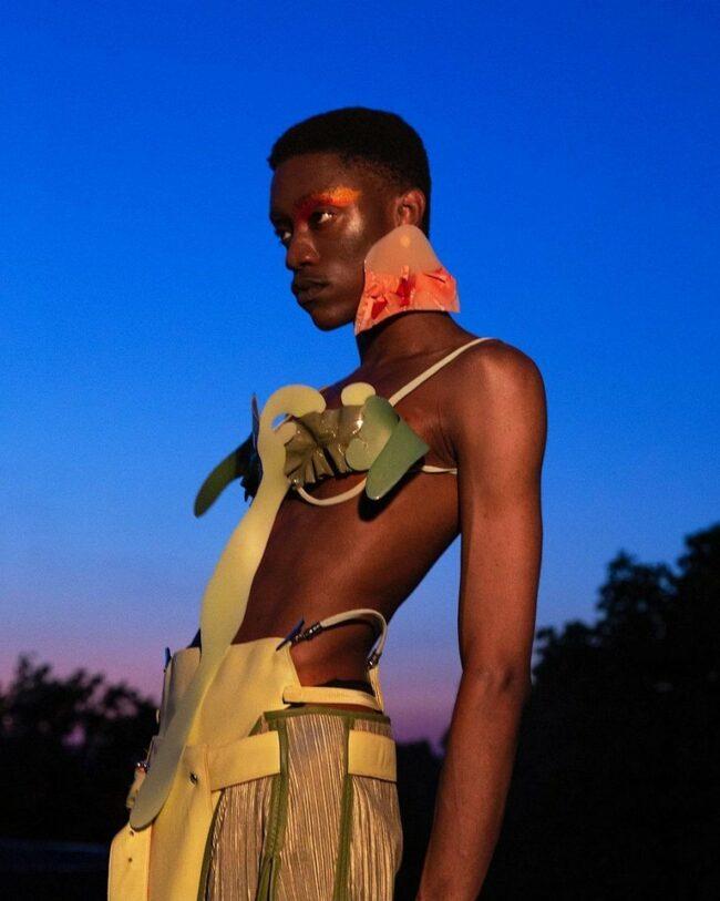 Fashionportrait in der Dämmerung