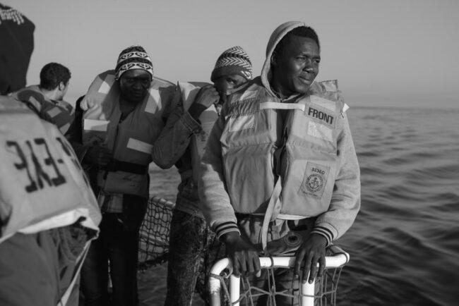 Menschen auf einem Boot