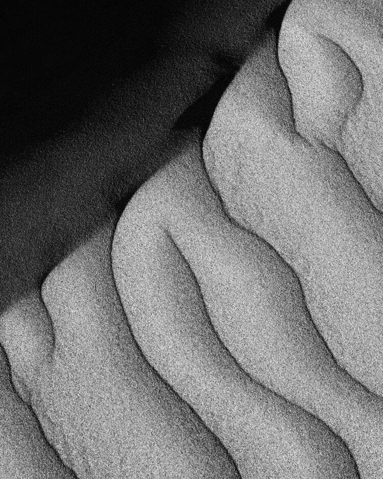 Sandformation in schwarzweiß