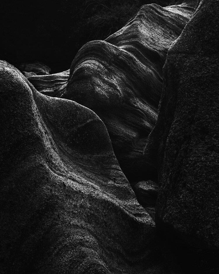 Steinformation in schwarzweiß
