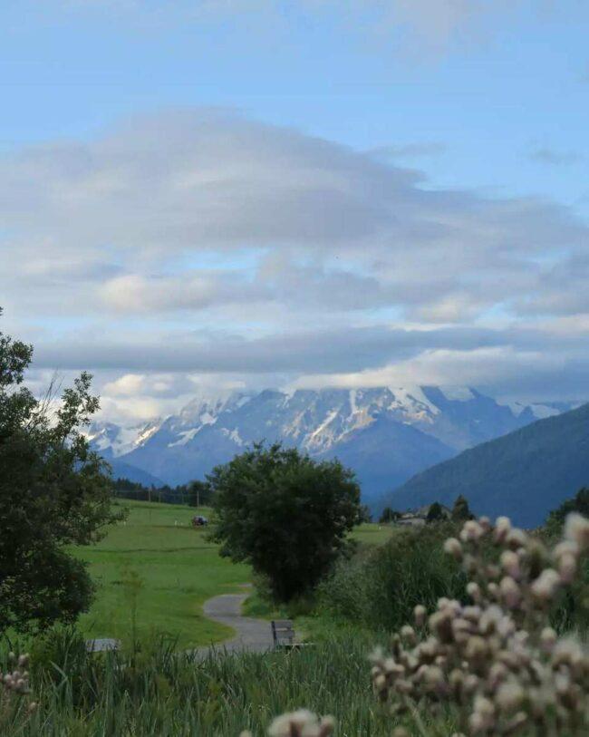 Blick auf ein Gebirge