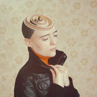digitale Collage: Matryoshka im Kopf