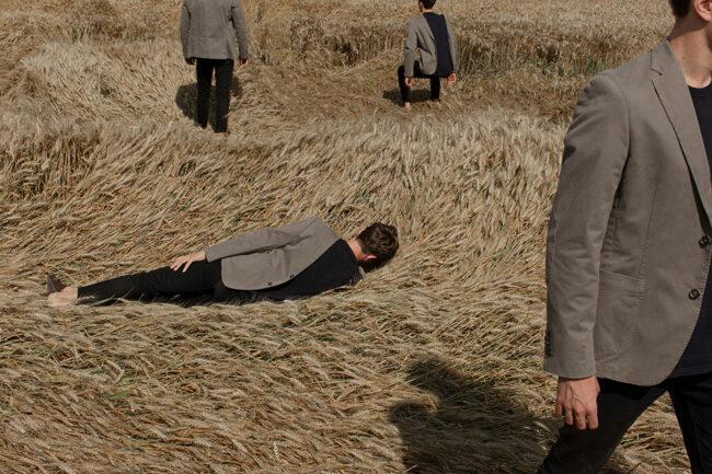 Menschen in einem Feld