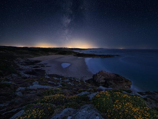 Sternennacht über dem Meer