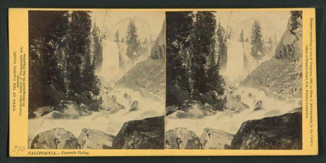 Wasserfall mit Flusslauf